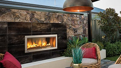 The success of the Regency Horizon series can now be extended to outdoor living areas.