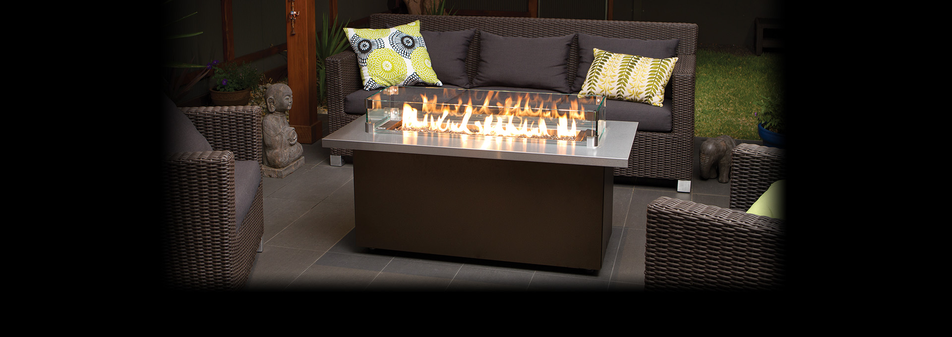 Marvelous Regency Plateau Outdoor Firetable Shown With A Stainless Steel Table Top  And Glass Windshield Surround