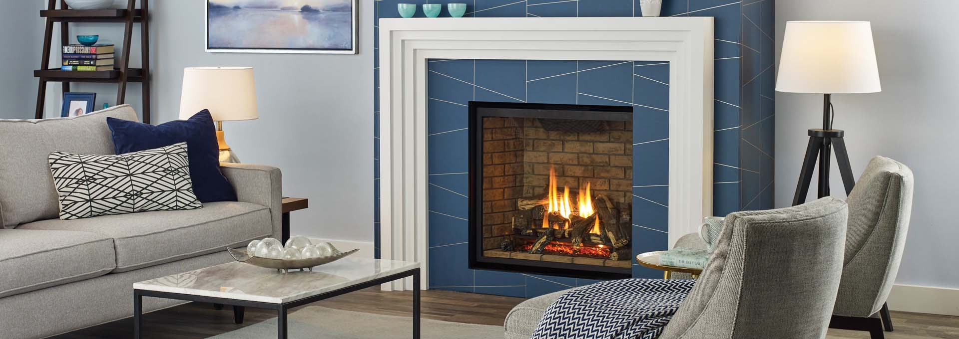 G800 Large Traditional Gas Fireplace from Regency