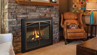 P36 gas fireplace with logs